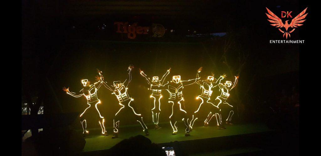 nhảy đèn led, led dance, nhay den led