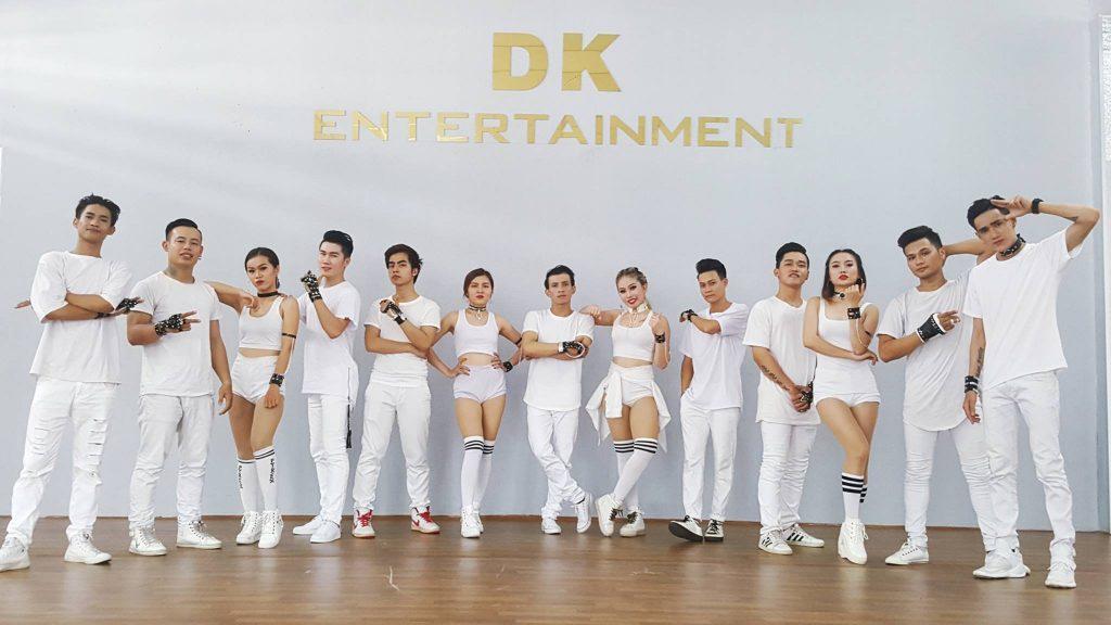 nhóm múa