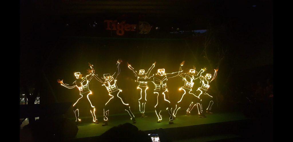 nhảy đèn led, led dance, vũ đoàn DK