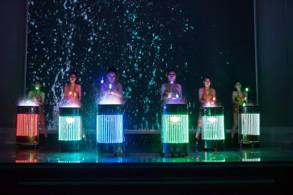 múa trống nước led